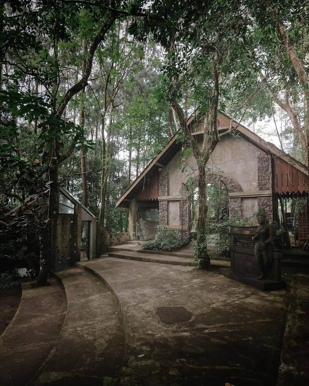 museum ullen sentalu kaliurang yogyakarta